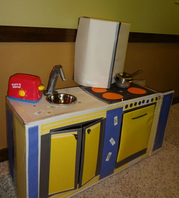 Mama O's Cardboard Kitchen