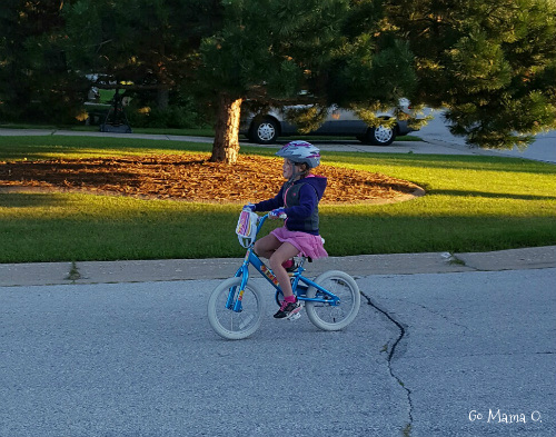 there-she-goes-on-two-wheels-go-mama-o