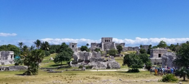 full view of Tulum ruins